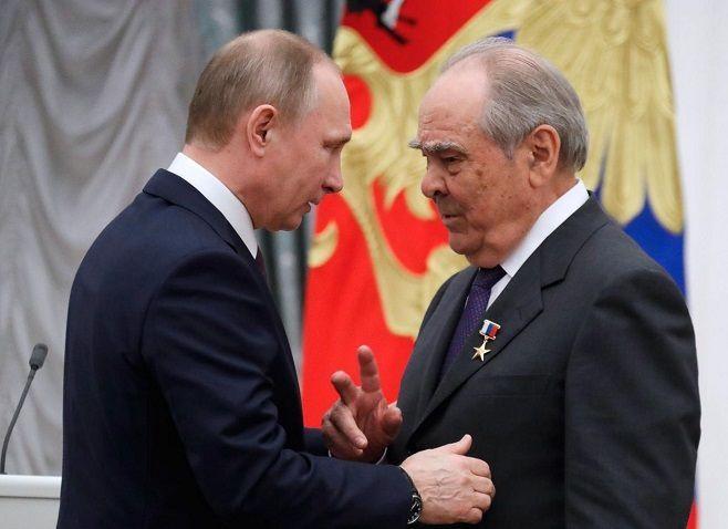 Предвыборный штаб В.Путина готовит 3-ю часть списка доверенных лиц